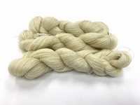 astrakan 100% namibian mohair (not soft but nice!!)  100gr 800mt